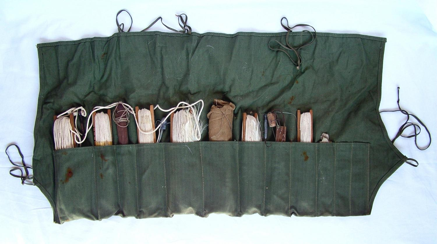 Usaaf emergency survival fishing kit in ww2 usaaf for Survival fishing kit