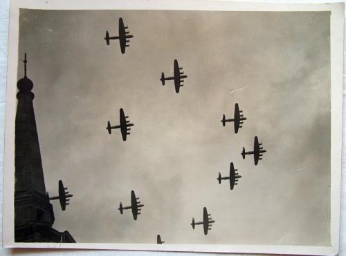 RAF Press Photo - 35 Sqdrn. Lancasters