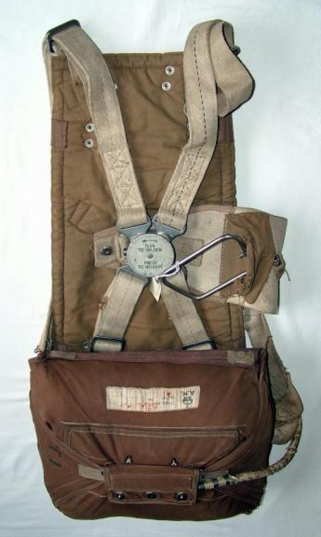 RAF Pilot / Seat Type Parachute Assembly
