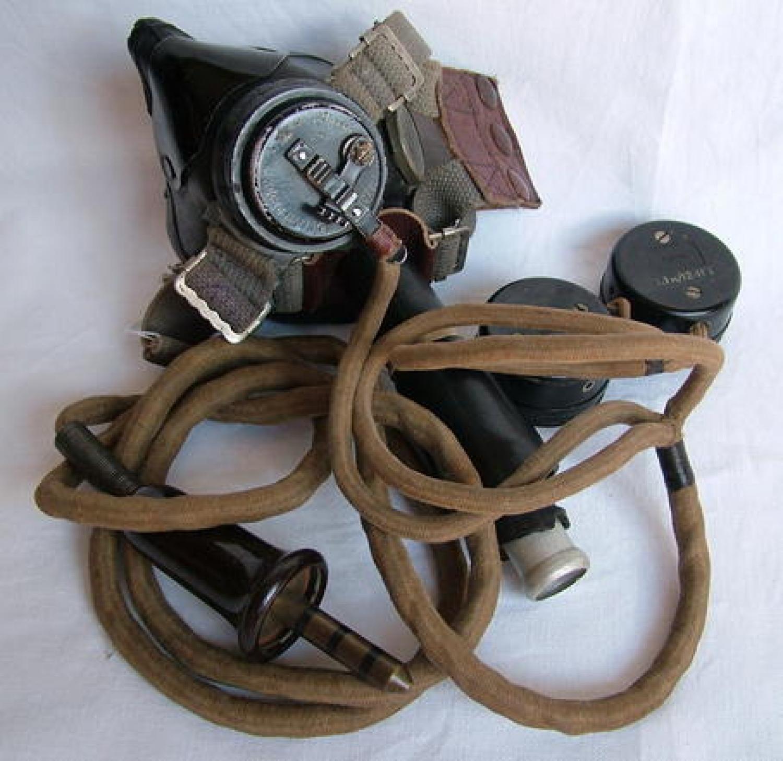 RAF Type E* Oxygen Mask c/w Wiring Loom