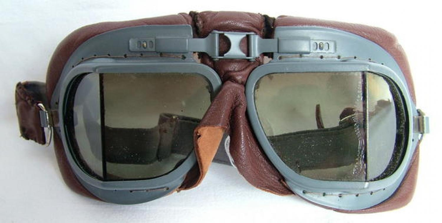 R.A.F. MK.VIII Flying Goggles, Complete