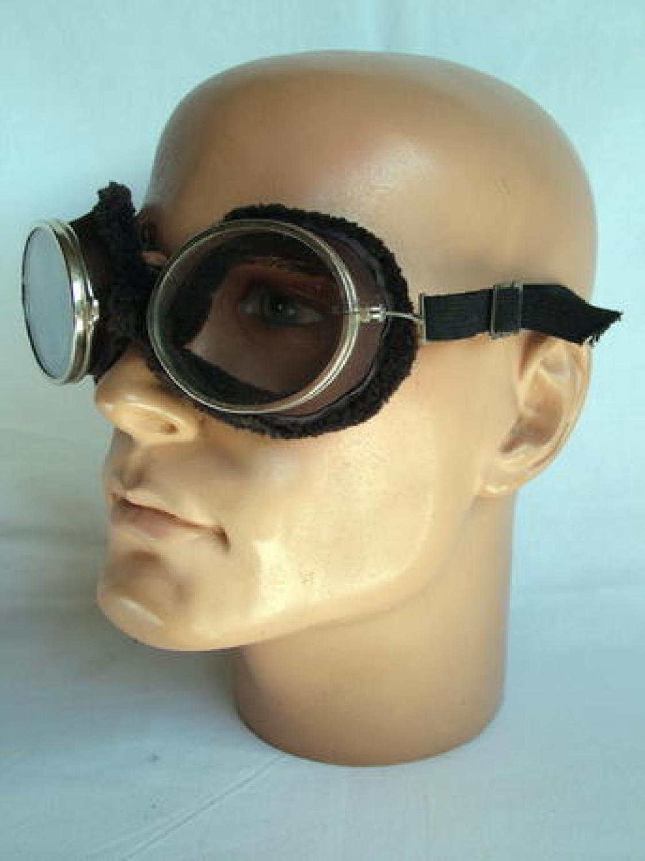 U.S. Willson Goggles/Cased - Type D-1