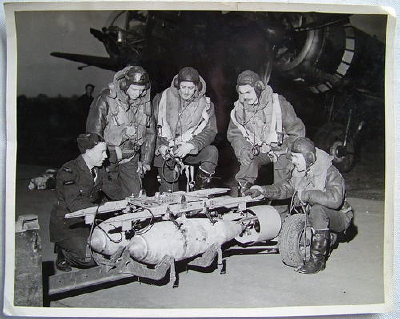 Air Ministry Press Photo - Hampden Crew