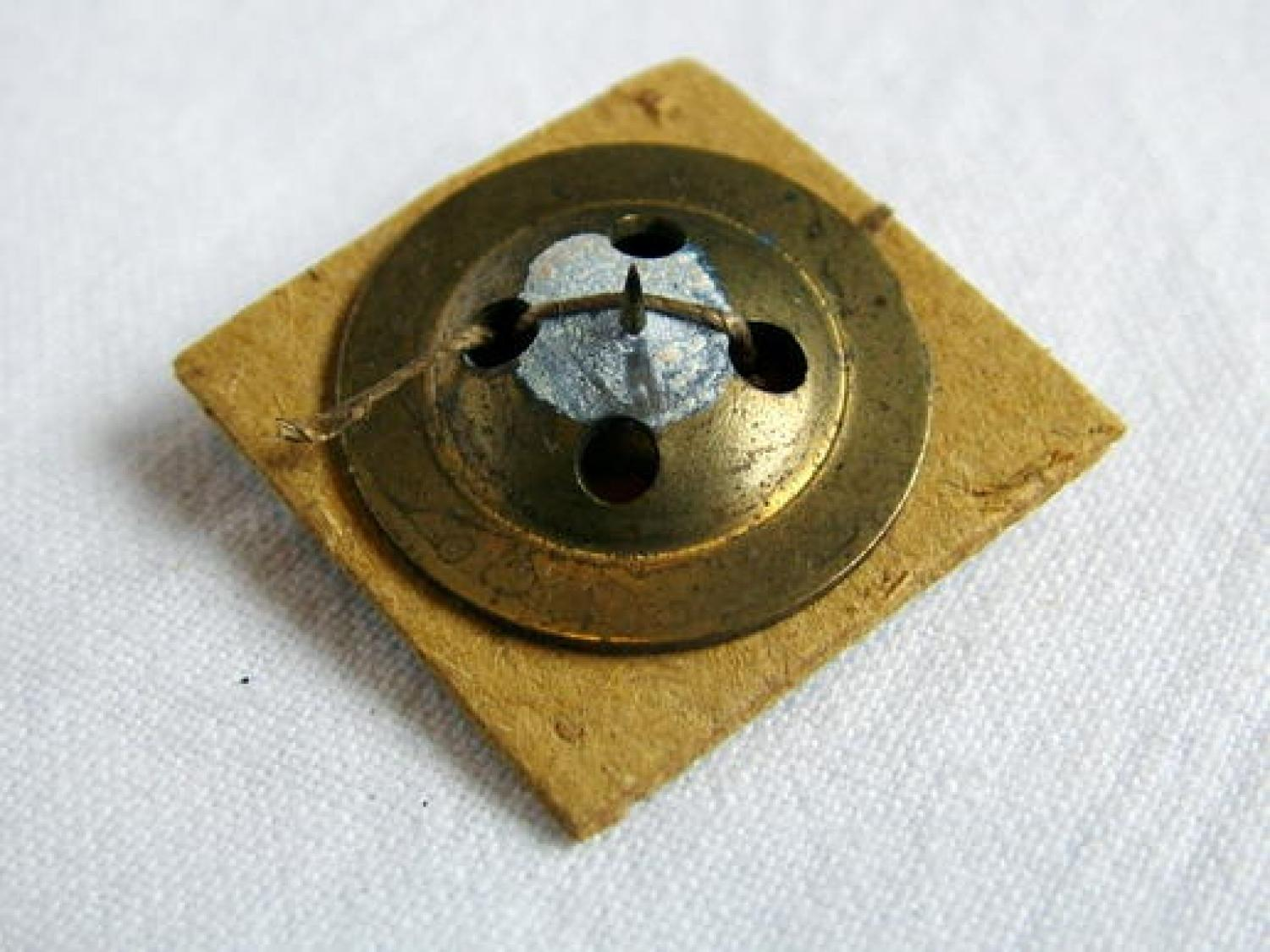 Escape Compass : Two-Piece Fly Button