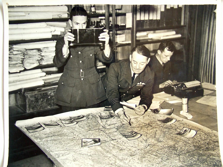 Press Photo - Photo Reconnaissance