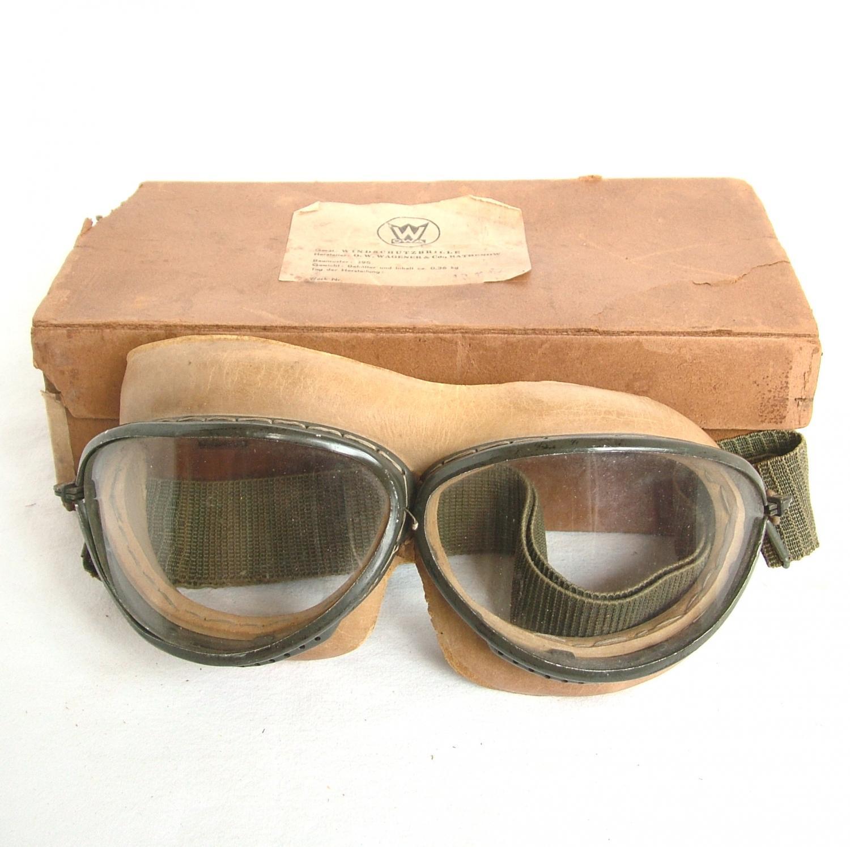 Luftwaffe Model  '295' Flying Goggles
