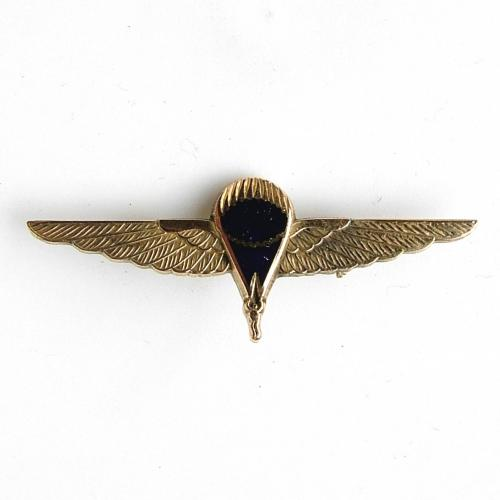 G.Q. Parachute workers badge - gold