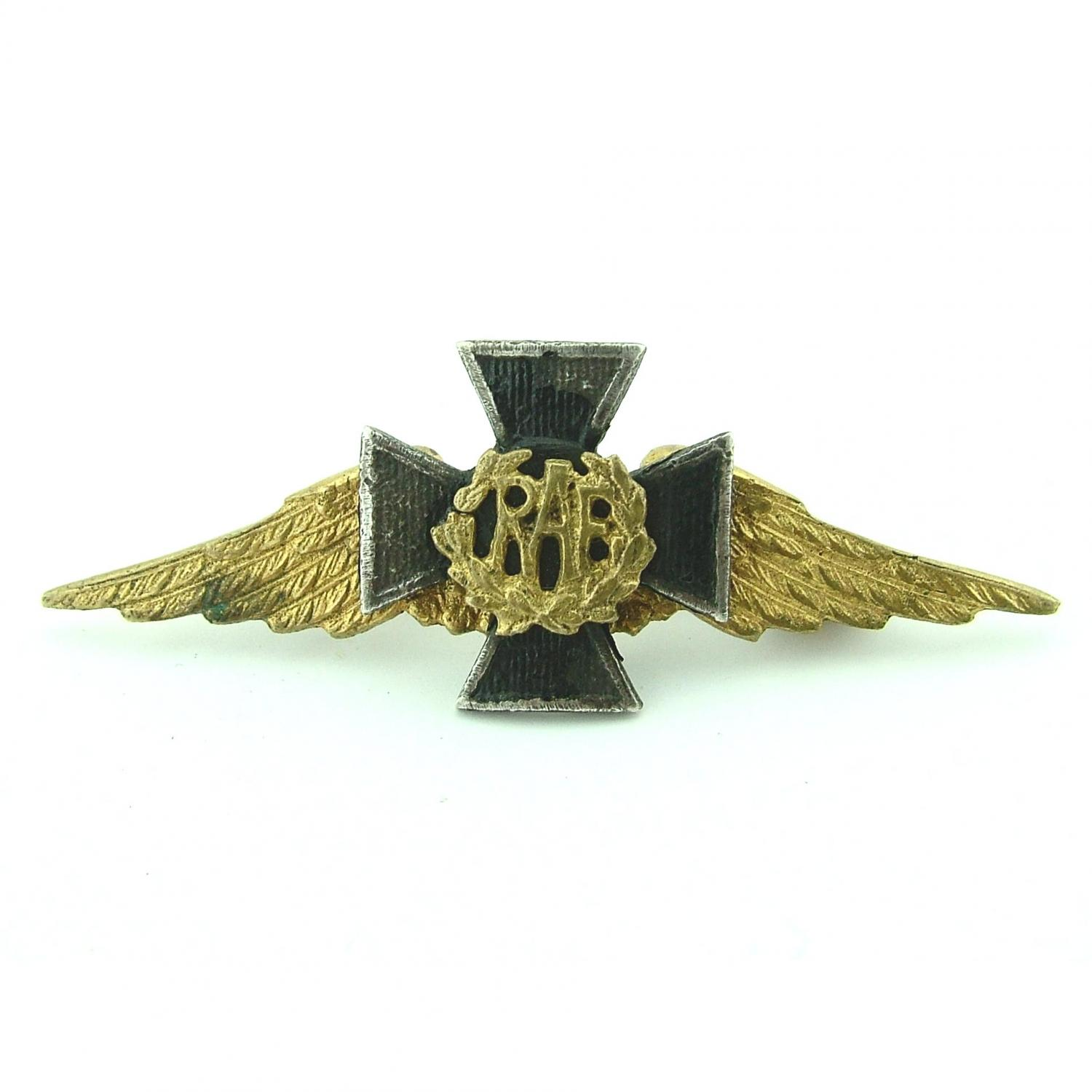 RAF chaplain's collar badge