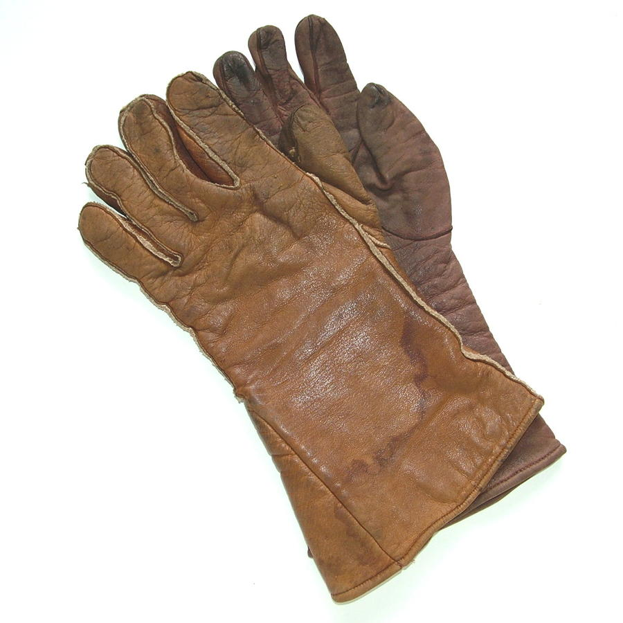 RAF type D flying gauntlets