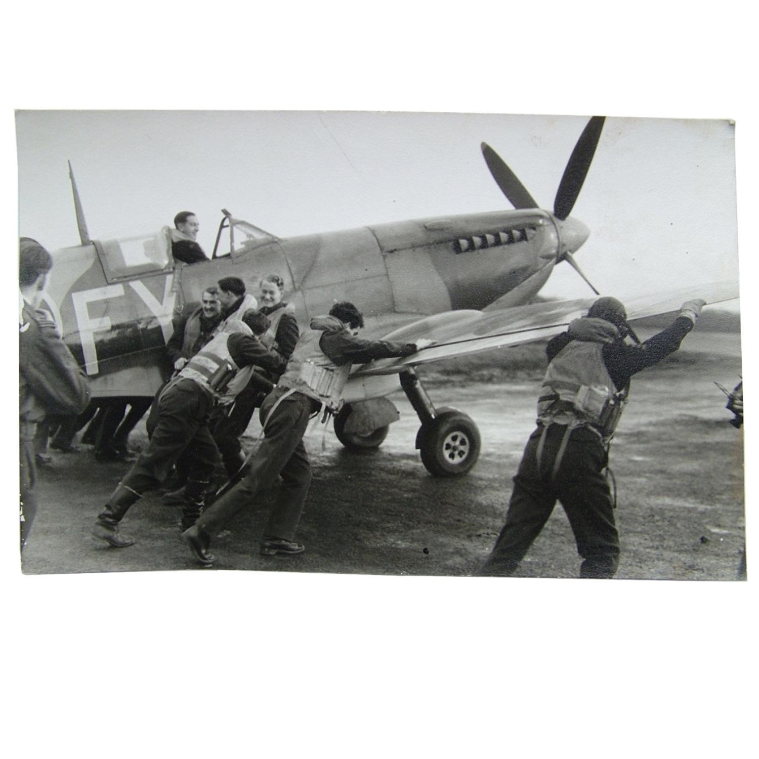 RAF press photo - Spitfire & aircrew