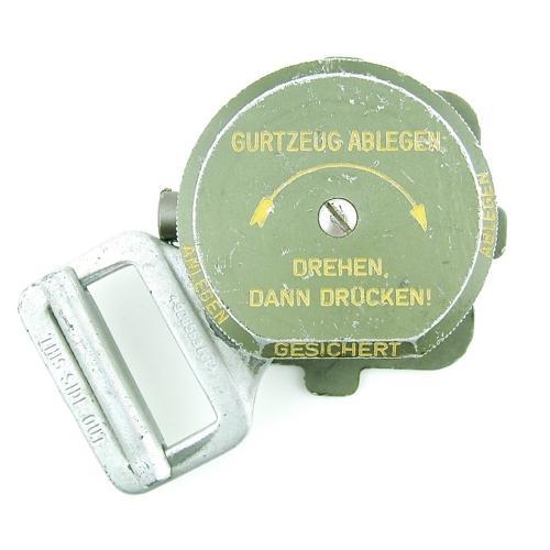 Luftwaffe parachute quick release box