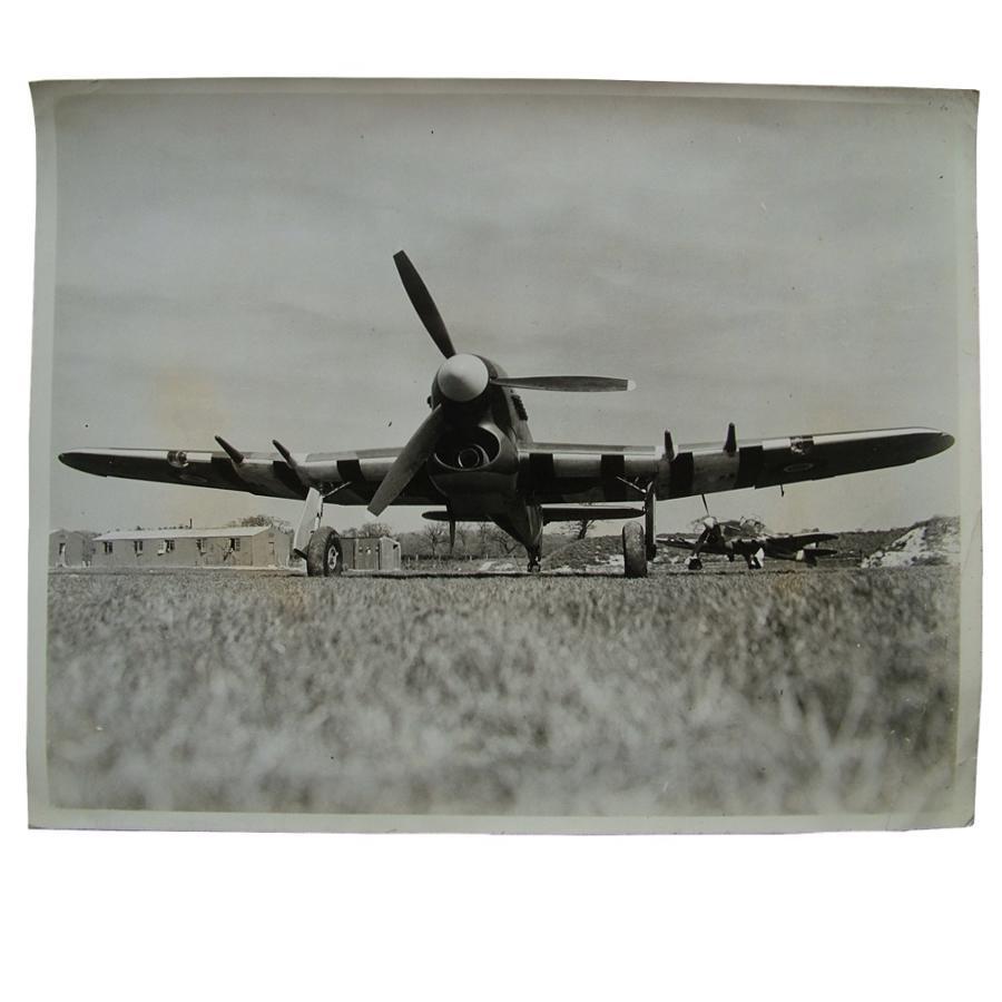 Press photo - Hawker Typhoons