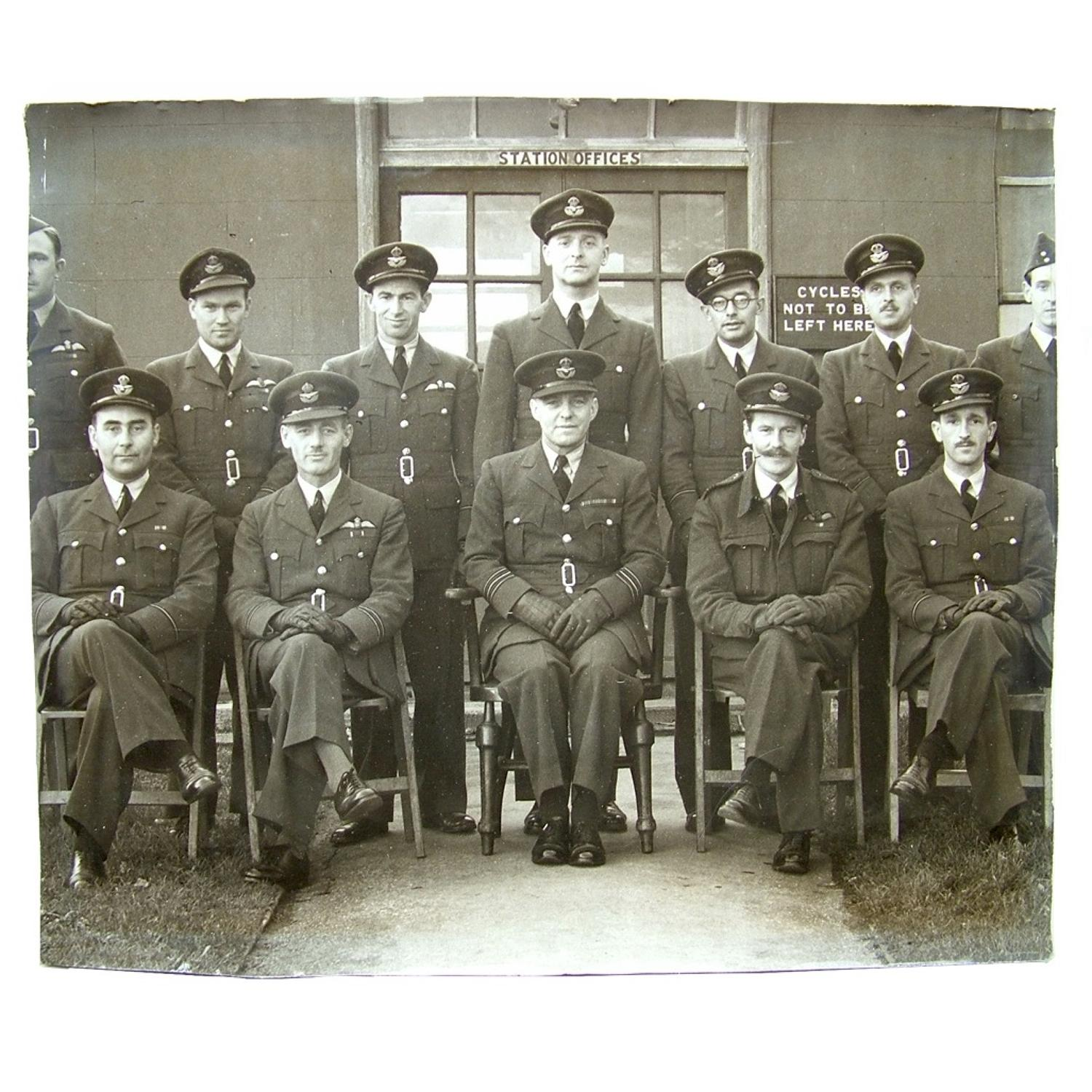 Photo - RAF officers