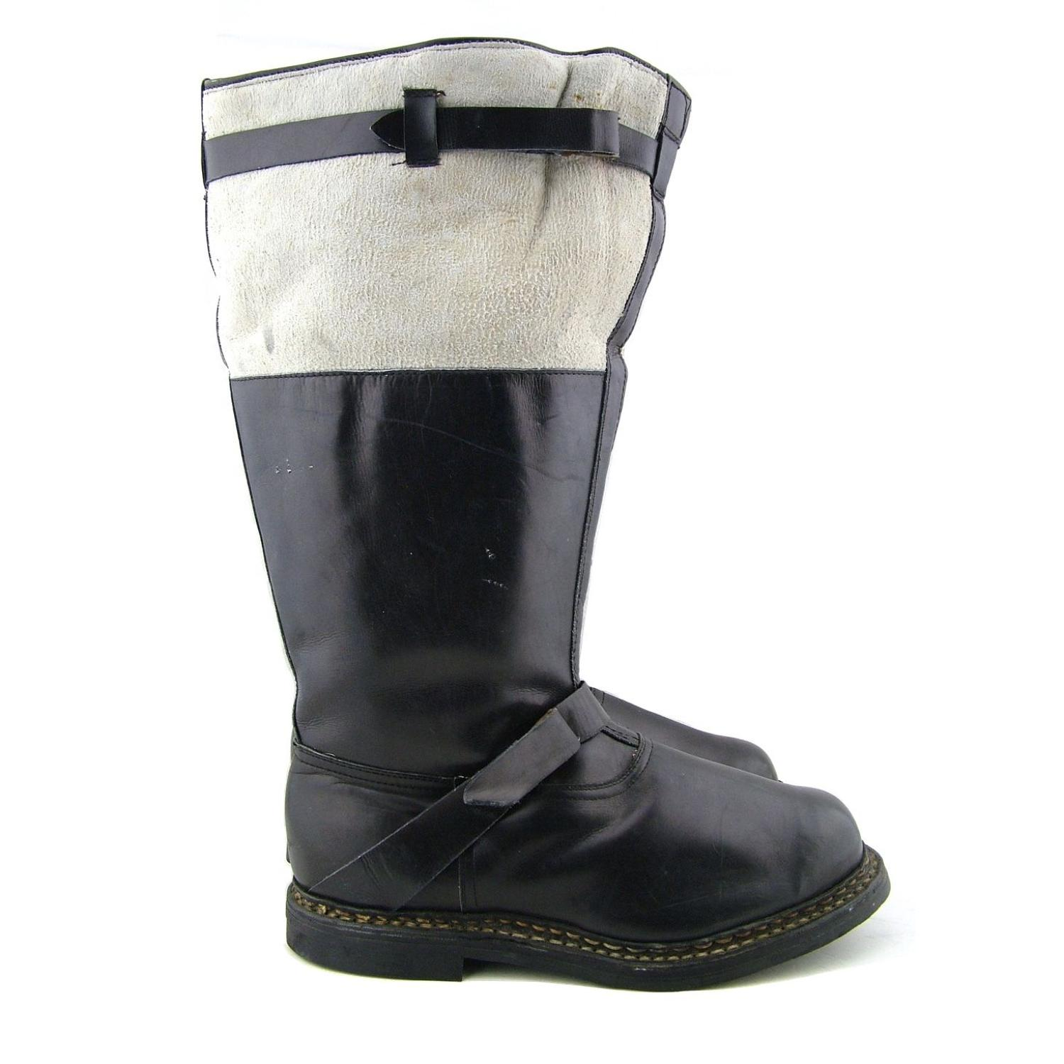 Luftwaffe single-zip flying boots