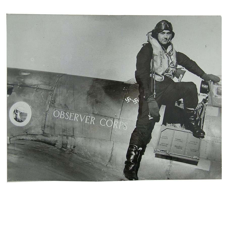 Press photograph - Battle of Britain pilot and aircraft c. 1941