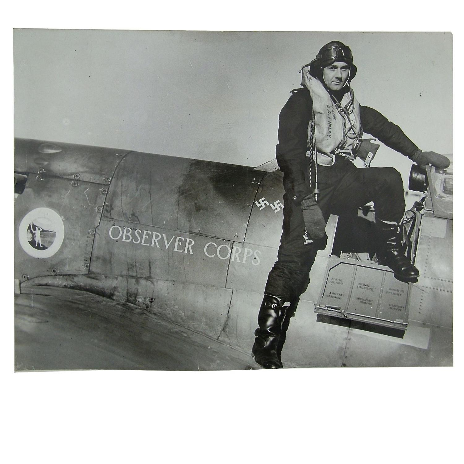 Press photograph - Battle of Britain pilot and aircraft c. 1941