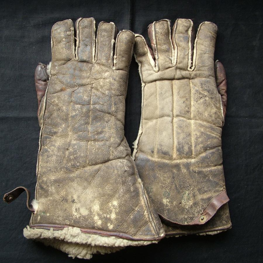 RAF 1940 pattern flying gloves