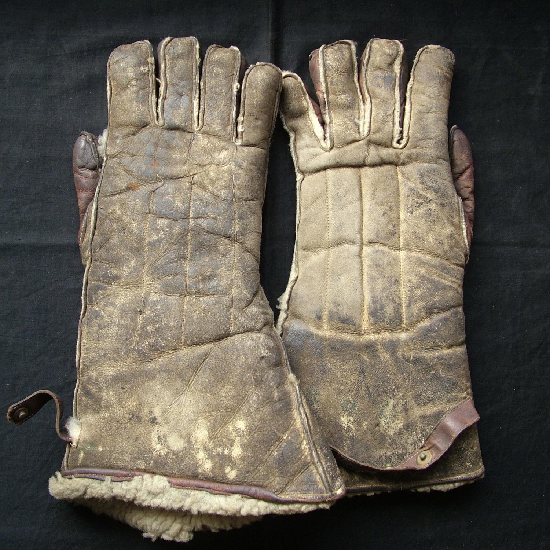 RAF 1940 pattern flying gloves