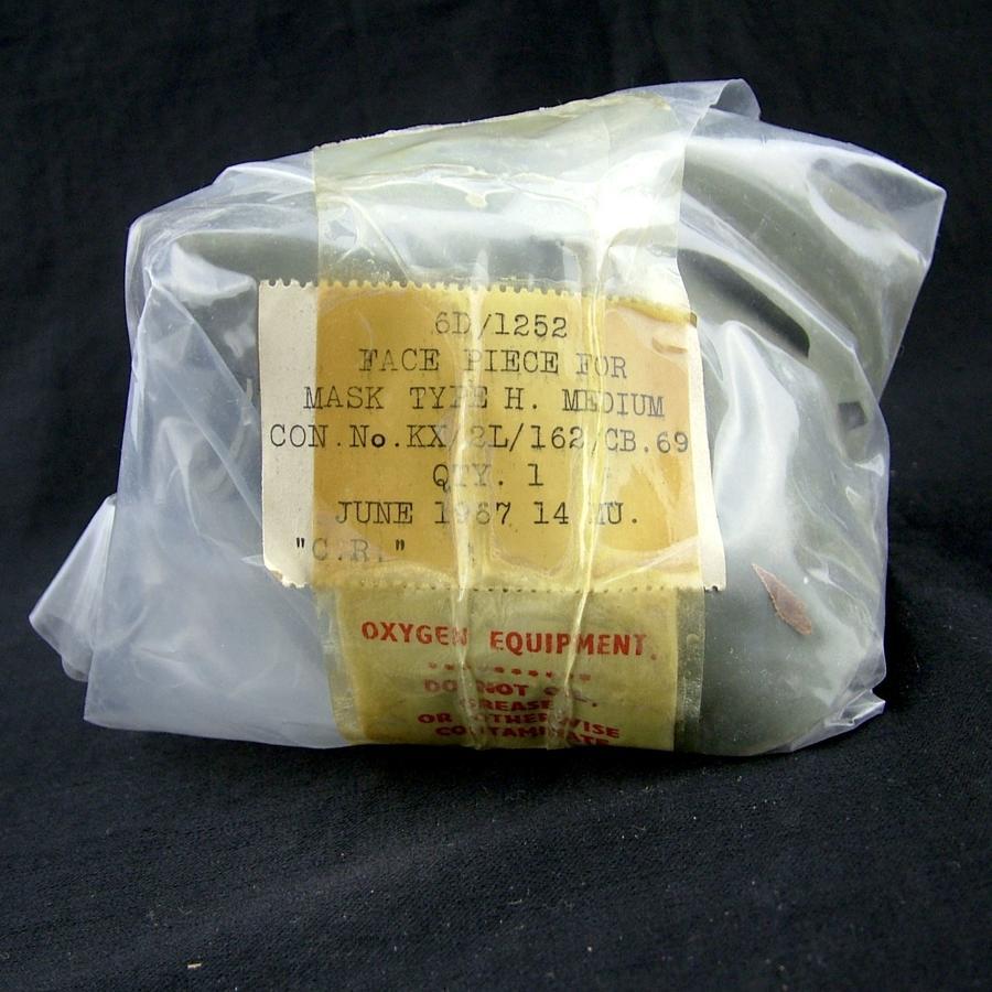 RAF type H oxygen mask face pieces - medium