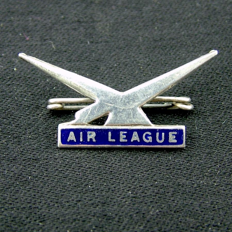 Air League pin badge