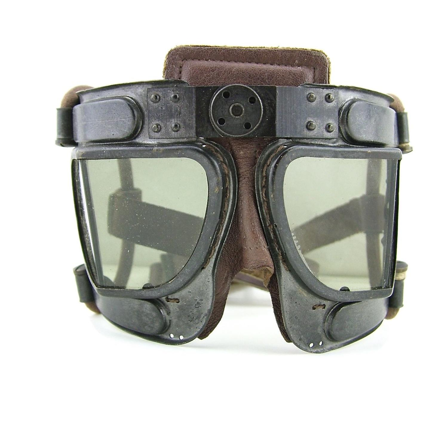 RAF Mk.IVB 'short loop' flying goggles