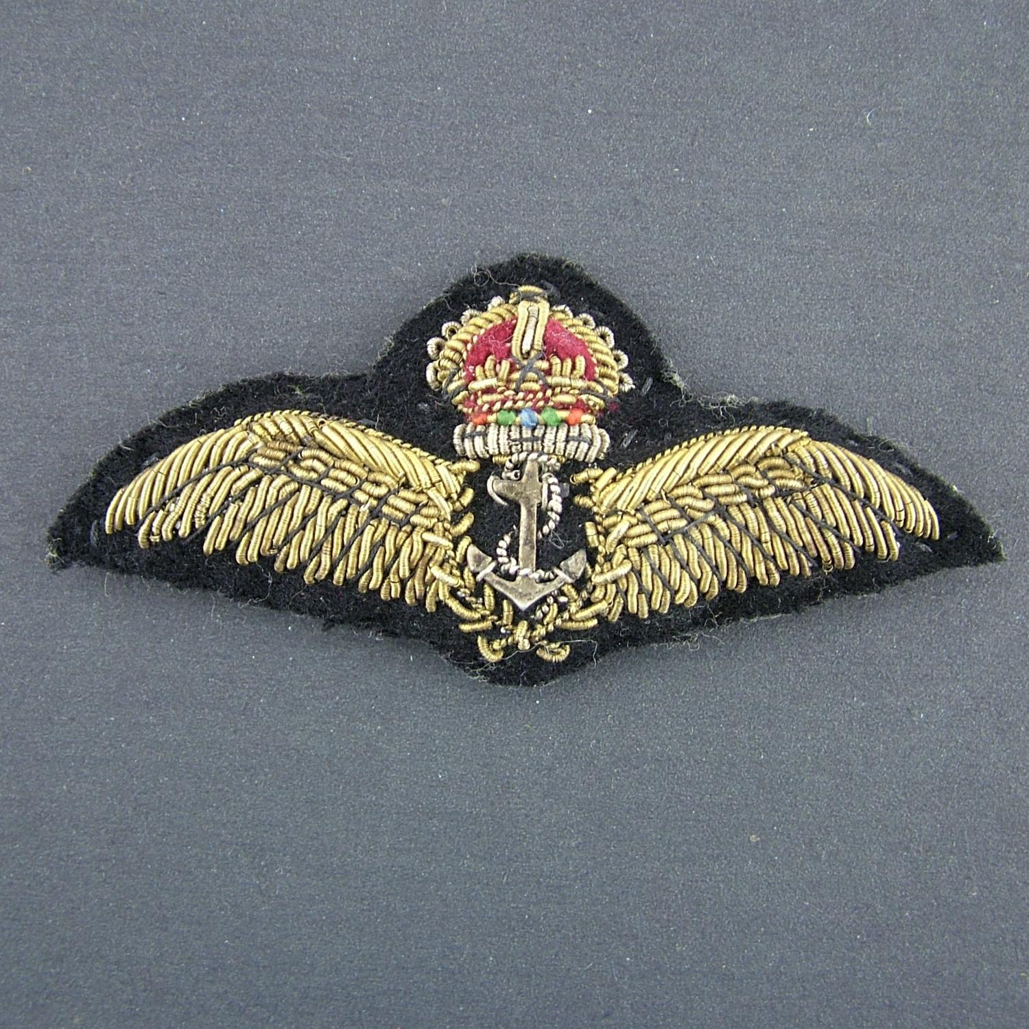 FAA pilot wing - pin backed