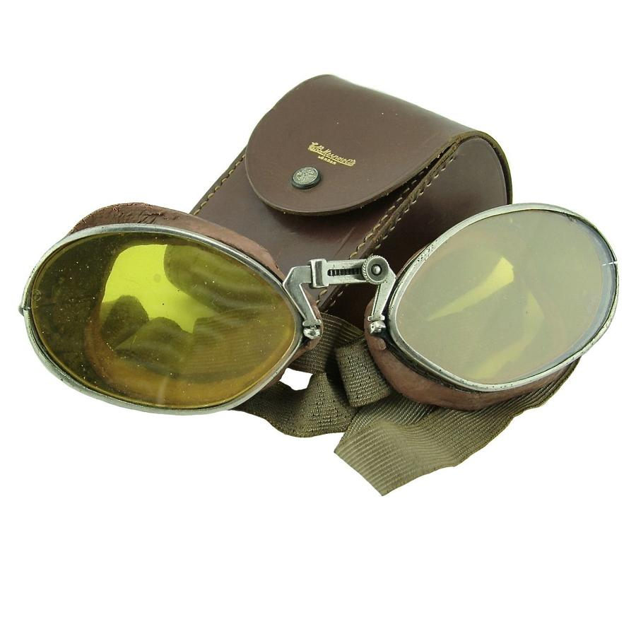 RAF 'used' Luxor 12 flying goggles, cased