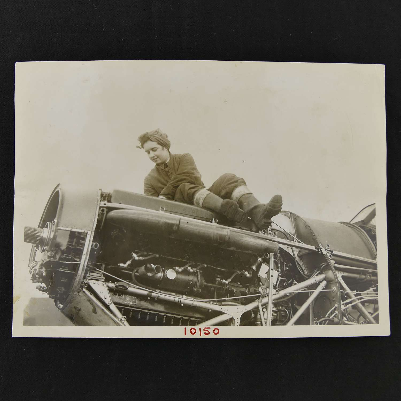 Press photo - WAAF mechanics at work