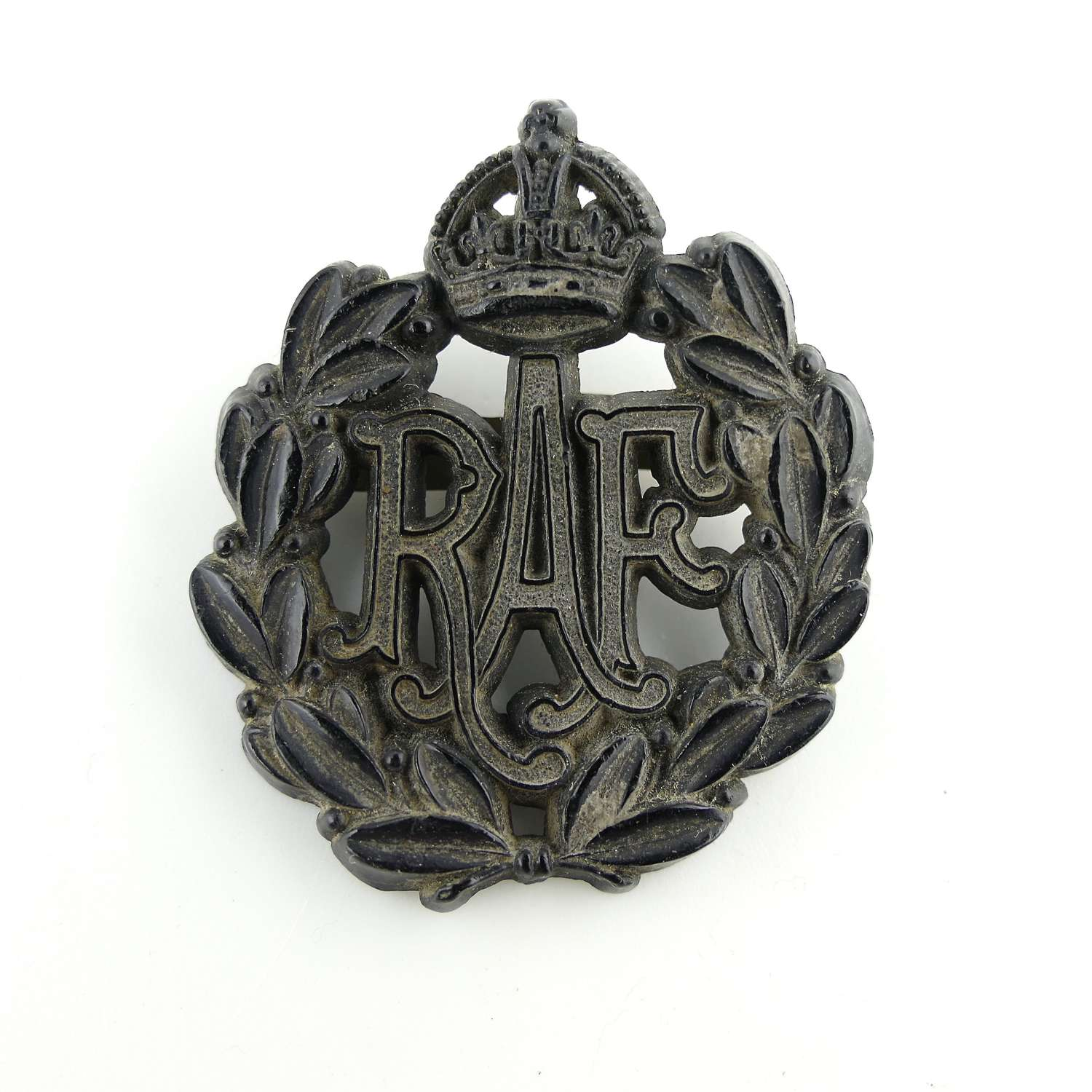 RAF 'other ranks' economy cap badge