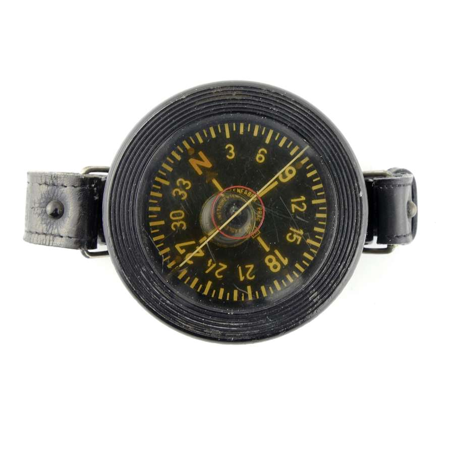 Luftwaffe armbandkompass, 1st pattern