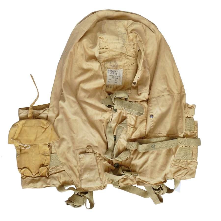 RAF 1941 pattern Mae West, Flap Type c/w dye pack