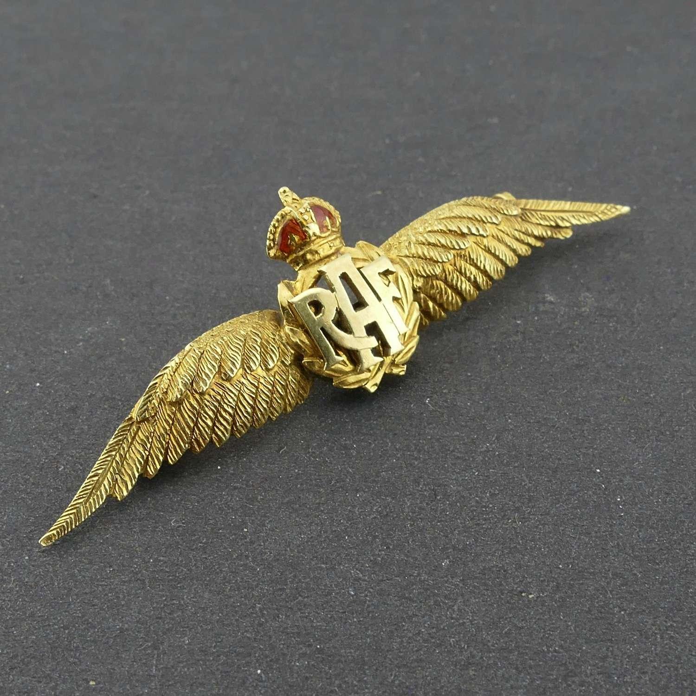 RAF brooch, 1920s, 15 carat gold