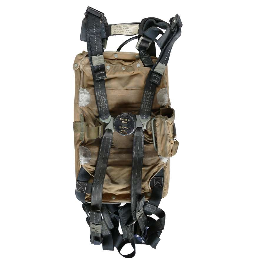 RAF back-type parachute harness