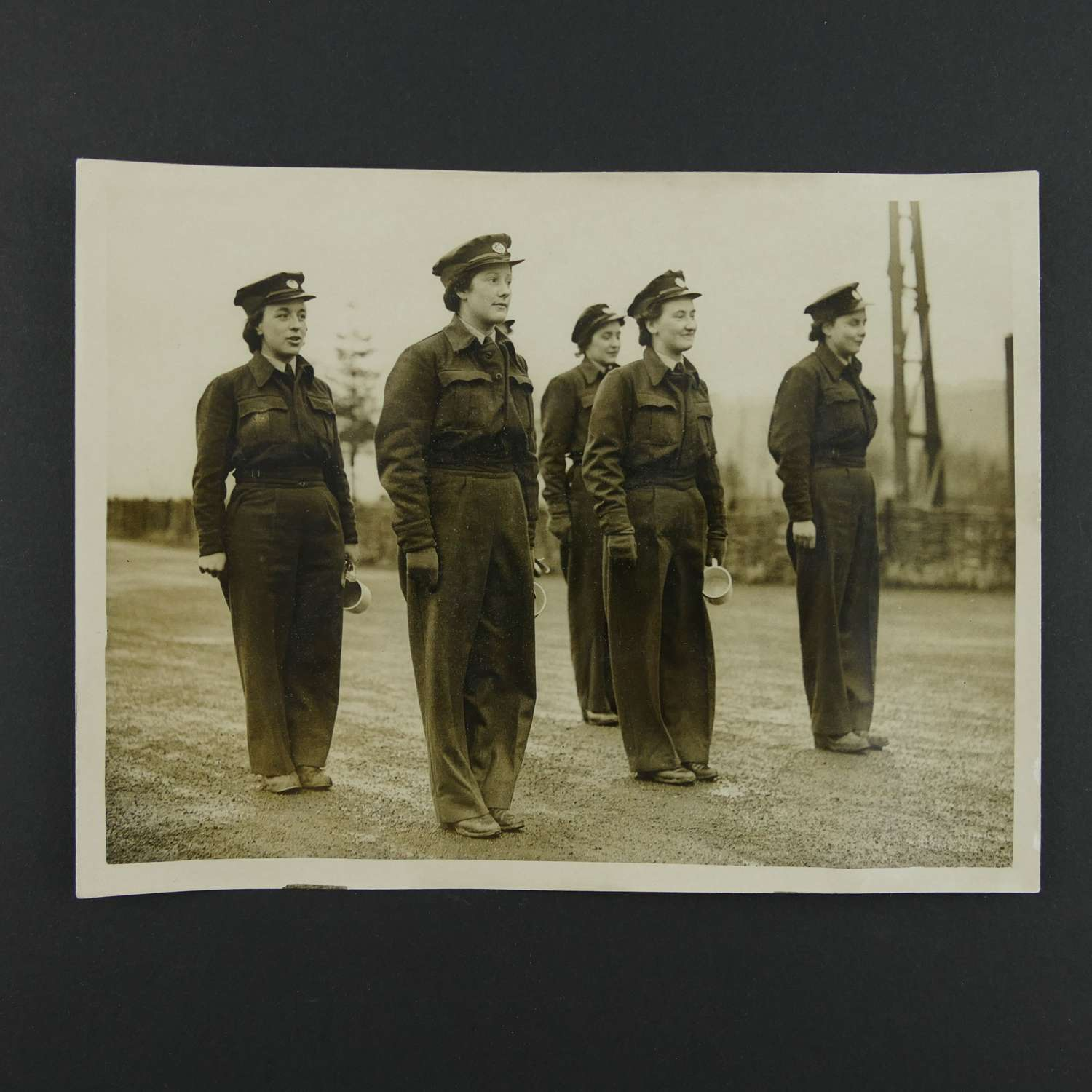 Press photo - WAAF personnel