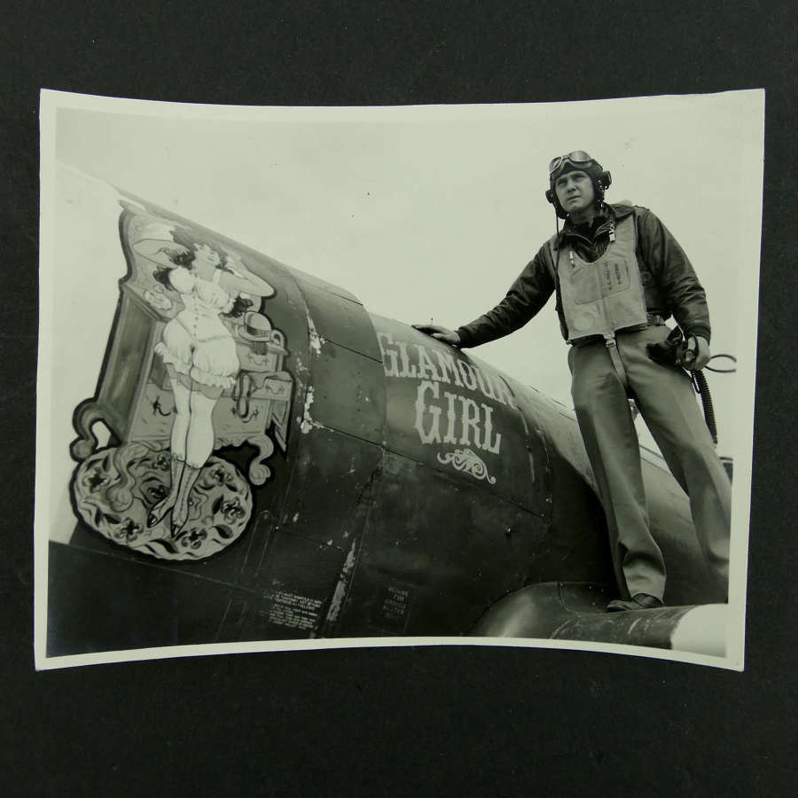 USAAF 9th AAF 366th Fighter Group nose art photo - 'Glamour Girl'