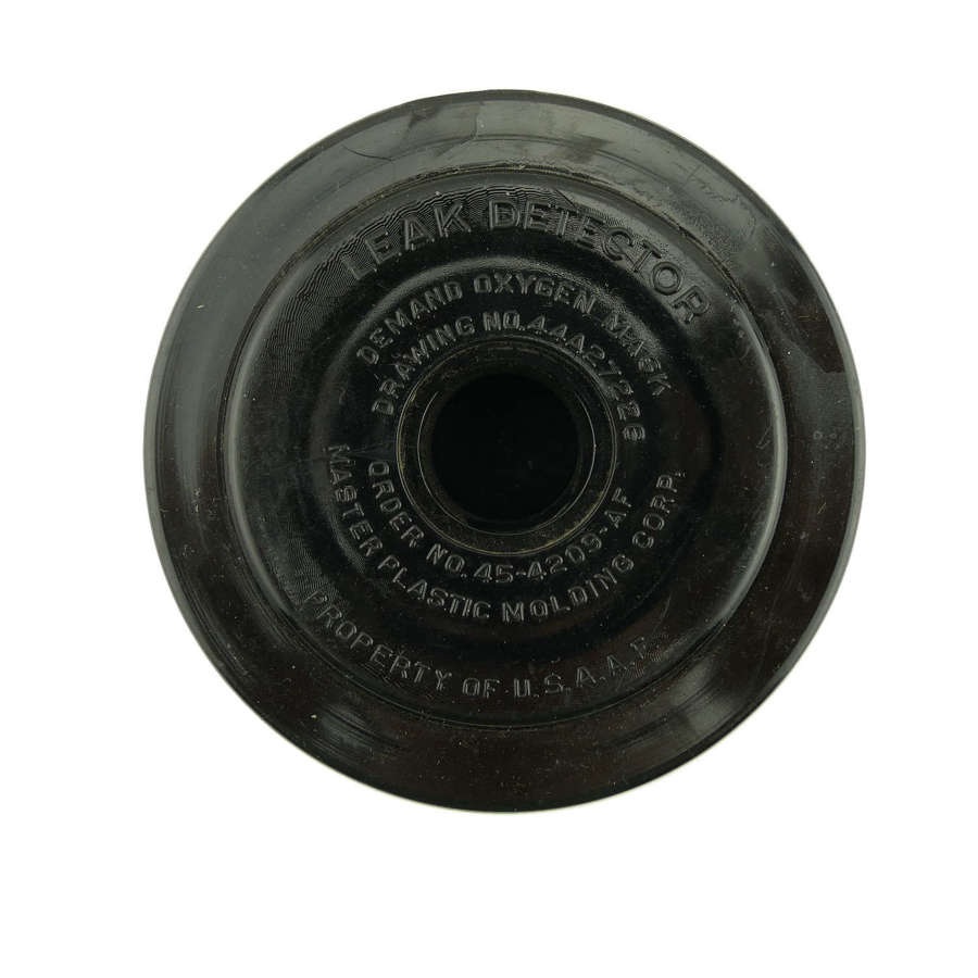 USAAF oxygen mask leak detector assembly